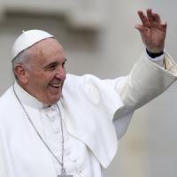 Papa Bergoglio annulla la Sacra Rota, e officia il Wedding-planner