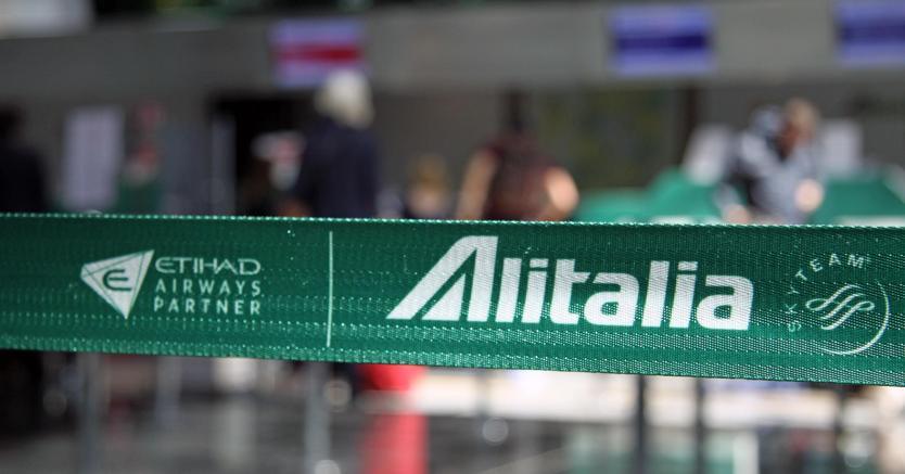 """Soros punta su Alitalia a """" braccetto"""" con i cinesi, con la benedizione di Gentiloni"""